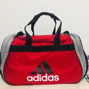 ❤️ADIDAS GYM DUFFLE BAG❤️